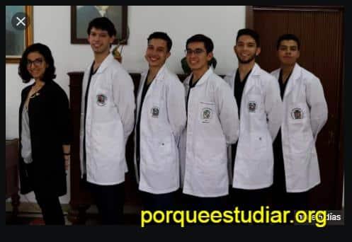 Donde estudiar medicina en México